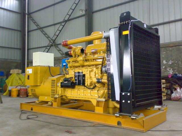 上柴系列发动机组    上海柴油机股份有限公司是上海汽车集团控股的上市公司,其生产的135,G128,SC-D,SC-C系列发动机是在原机型基础上引进美国卡特彼勒公司及AVL公司先进技术开发的新一代产品,具有动力性能好,排放指标先进,耗油低,可靠性能高等优势,是配套固定电站,备用电源的首选动力,上柴公司遍布全国的售后服务网络能及时为用户提供优质周到的服务。13390648399